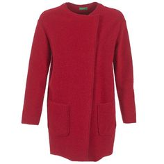 En hiver et à la mi-saison, il est essentiel de se couvrir. Pour cela, rien de tel que ce manteau rouge. Vous aimerez sa conception en laine (58%)  et polyester (40%)  et acrylique (2%)  pour le confort et sa coupe pleine de style.   Cette pièce imaginée par la marque Benetton ne vous quittera plus. - Couleur : Rouge - Vêtements Femme 71,96 €