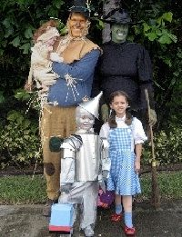 Family Halloween Costume Ideas... to cute