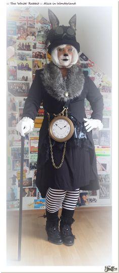 DIY ::: The White Rabbit in Wonderland-Costume DIY ::: Das weiße Kaninchen im Wunderland-Kostüm Alice In Wonderland Makeup, Wonderland Costumes, Winter Wonderland Costume, Alice Costume, Queen Costume, Theatre Costumes, Diy Costumes, Riverdale Halloween Costumes, White Rabbit Costumes