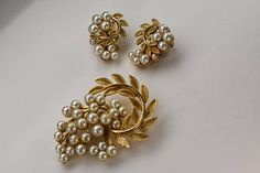 Lisner Brooch and Earrings Jewelry Set Demi Parure Faux Pearls in a Gold Tone Setting Vintage and Retro Costume Jewelry Gifts for Women Indian Jewelry Earrings, Rose Gold Jewelry, Pendant Jewelry, Bridal Jewelry, Jewelry Gifts, Buy Earrings, Antique Earrings, Etsy Jewelry, Gold Earrings Designs