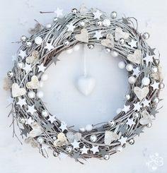White Christmas Door  Wreath Winter. $35.00, via Etsy.