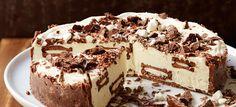 Minttua, suklaata ja marenkia - näistä syntyy viileän raikas Marianne-kakku Chocolate Ice Cream Cake, Mint Chocolate, No Bake Desserts, Tiramisu, Baking Recipes, Cheesecake, Ethnic Recipes, Archive, Therapy