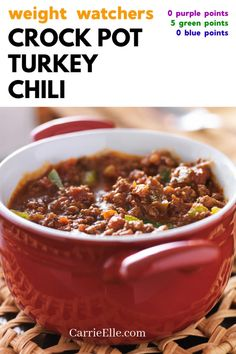 This easy WW Crock Pot Turkey Chili is just 0 Pts for the blue and purple plans, and 5 for green! Weight Watchers Chili, Weight Watcher Desserts, Weight Watchers Snacks, Weight Watchers Meal Plans, Ww Recipes, Dessert Recipes, Family Recipes, Free Recipes, Recipies