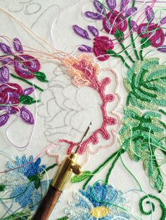 Embroidery with the tambour hook. Learn how to embroider like this from experts who work for Chanel, Louis Vuitton Tambour Beading, Tambour Embroidery, Silk Ribbon Embroidery, Embroidery Applique, Cross Stitch Embroidery, Floral Embroidery, Embroidery Designs, Diy Broderie, Bordados E Cia