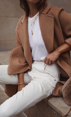 Comment porter un manteau camel cet automne Outfit Jeans, Camel Coat Outfit, Beige Outfit, Camel Blazer, White Coat Outfit, Hijab Outfit, Mode Outfits, Fall Outfits, Fashion Outfits