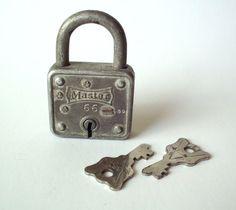 Vintage Masterlock Padlock With Two Keys