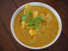 This traditional Southern Thai recipe for Massaman Curry will fill your home with a delicious fragrance that is unforgettable. Thai Recipes, Curry Recipes, Indian Food Recipes, Asian Recipes, Vegetarian Recipes, Cooking Recipes, Healthy Recipes, Recipe For Massaman Curry, Thai Massaman Curry