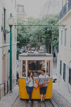 Engagement Photo Session in Lisbon, Tourists in Lisbon Photo Session by Wedding Photographer Hello Twiggs