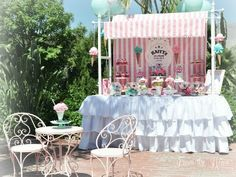 Click here to get inspiration from this whimsical and fun ice cream themed birthday party!