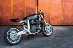 """Suzuki GSXR 750 cafe racer 