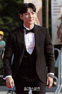 Ji Chang Wook at the Seoul International Drama Awards 2019 Healer Drama, Fabricated City, Empress Ki, Suspicious Partner, Love Me Forever, Ji Chang Wook, Asian Men, Korean Actors, Korean Drama