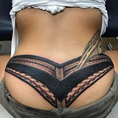 Tramp stamp cover up ! Polynesian work by artist Hot Tattoos, Body Art Tattoos, Girl Tattoos, Tattoo Ink, Tatoos, White Over Black Tattoo, Koi Dragon Tattoo, Tramp Stamp Tattoos, Henna