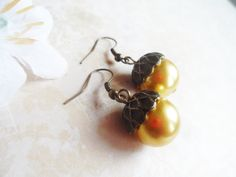 January Sale Vintage inspired acorn earrings with a gold tone glass pearls, nature jewelry, Selma Dreams by SelmaDreams on Etsy