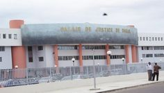 PROCÈS KARIM WADE : Bibo Bourgi arrivé au palais de Justice en chaise roulante