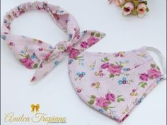 Fabric Flower Tutorial, Fabric Flowers, Diy Mask, Diy Face Mask, Sewing Machine Projects, Mask Design, Handmade Flowers, Sewing Crafts, Sewing Patterns