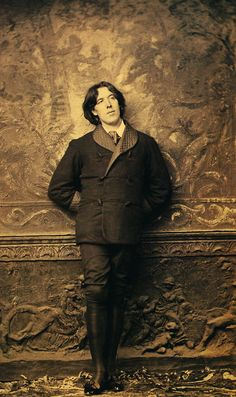 Oscar Wilde <3 Him The book Dorian Gray is simply the best!!!