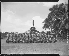 on Turtle Bay fighter strip, Espiritu Santo, New Hebrides. poses for a group picture before leaving for Munda. Ww2 Aircraft, Military Aircraft, Fighter Pilot, Fighter Jets, Black Sheep Squadron, Fun Fly, Once A Marine, F4u Corsair, Ww2 Planes