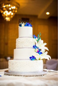 our wedding cakes they look and taste great on pinterest kansas city wedding buttercream. Black Bedroom Furniture Sets. Home Design Ideas