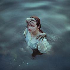 Gillyface (flickr) / She Never Left