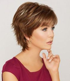 New Bob Haircuts 2019 & Bob Hairstyles 25 Bob Hair Trends for Women - Hairstyles Trends Short Shag Haircuts, Short Hairstyles For Thick Hair, Long Layered Haircuts, Short Hair With Bangs, Short Hair With Layers, Short Hair Cuts, Curly Hair Styles, Pixie Cuts, Growing Out Short Hair Styles