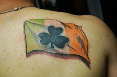 77 Irish tattoos to celebrate your appreciation for Irish and Celtic heritage: shamrock, clover, Irish cross, claddagh tattoo designs and more. Celtic Cross Tattoos, Cross Tattoo For Men, Tattoo Son, Back Tattoo, Pride Tattoo, Body Art Tattoos, Sleeve Tattoos, Tatoos, Flag Tattoos
