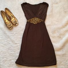 Soprano brown jeweled knit dress Soprano brown jeweled knit dress Size small Gently used  All jewels intact Ties at waste Please ask for additional pictures, measurements, or ask questions before purchase No trades or other apps. Ships next business day Reasonable offers accepted  Five star rating Bundle for discount Soprano Dresses Mini