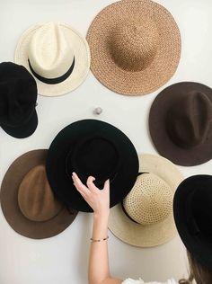Wall Hat Racks, Diy Hat Rack, Diy Hat Hooks, Hat Display, Display Wall, Hat Storage, Storage Ideas, Hanging Hats, Hat Organization