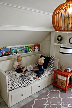 awesome kids room, bentwood chandelier, daybed with storage