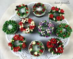 Christmas Wreath  - Cake by Deepa Pathmanathan