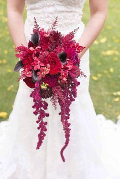 24 Gorgeous Cascading Wedding Bouquets