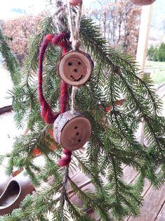 Christmas Ornaments, Holiday Decor, Home Decor, Sunlight, Xmas Ornaments, Christmas Jewelry, Christmas Ornament, Interior Design, Christmas Decorations