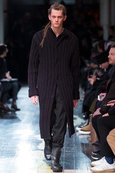 Yohji Yamamoto Fall 2016 Menswear collection.