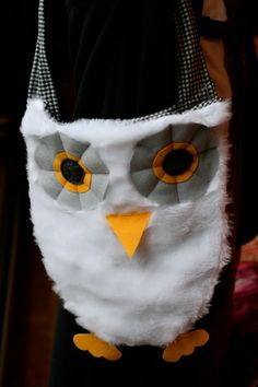 if you dress up as Harry Potter for Halloween, make a Hedwig bag to collect candy!