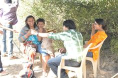 Keval, #AjayGehi & #SonaliKulkarni take some time out on the sets of #TheGoodRoad
