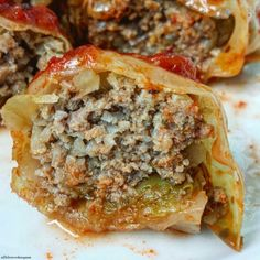Slow Cooker Paleo Cabbage Rolls This healthy, low-carb, paleo, and whole 30 compliant slow cooker version of cabbage rolls is easy to make and perfect to serve any night of the week. Best Low Carb Recipes, Low Carb Dinner Recipes, Paleo Dinner, Brunch Recipes, Paleo Recipes, Real Food Recipes, Cooking Recipes, Health Dinner, Simple Recipes