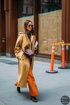 Emily Zak between the style exhibits. The publish New York Fall 2020 Street Style: Emily Zak appeared first on STYLE DU MONDE Street Look, Street Chic, Autumn Street Style, Top Model Fashion, Daily Fashion, Fashion Photo, Fashion News, Fashion Trends, New York Fashion Week Street Style
