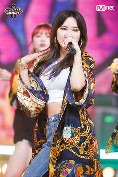 [#LE] 백투더 90's! #EXID - #내일해(#Lady) ♪ World No.1 KPOP Chart Show M COUNTDOWN #Mnet 무대 보러가기