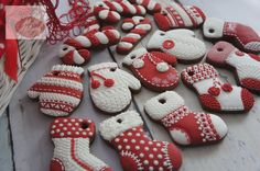 Mittens Cookies - Maybe a Cookie