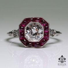 Period: Art deco (1920-1935) Composition: Platinum Stones: - 1 Old mine cut diamond of H-SI1 quality that weighs 0.90ctw. - 4 Old mine cut diamonds of H-VS2 quality that weigh 0.08ctw. - 12 Natural ca
