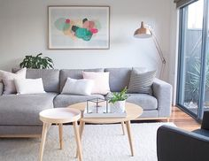 Hold up to date with the newest small living room decoration a few ideas (chic & modern). Find good methods for getting trendy style even though you have a small living room. Beautiful Living Rooms, Cozy Living Rooms, Home Living Room, Apartment Living, Living Room Designs, Simple Living Room Decor, Room Inspiration, Home Decor, Scandinavian Living