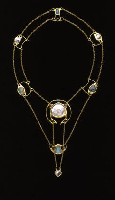 Archibald Knox - Necklace (1902) Gold set with pearl and opal