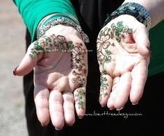 She9 is blog where you can find latest information of women clothing fashion, dresses, brands and Mehndi designs.