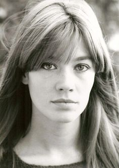 Health Hair Care Advice To Help You With Your Hair. Do you feel like you have had way too many days where your hair goes bad? Françoise Hardy, Twiggy, Natural Hair Styles, Short Hair Styles, Charlotte Rampling, Long Hair With Bangs, Short Wedding Hair, French Beauty, Hair Care Tips
