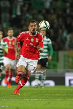benficas-forward-kostas-mitroglou-during-the-match-between-sporting-picture-id498211442 (683×1024)
