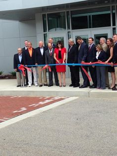 RT @KariAndren . @ConnectWCCC cuts the ribbon on Advanced Technology Center -new hub of workforce training programs.
