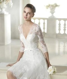 Vestido curto para noivas com renda