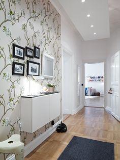26 Hallway wallpaper decorating ideas - Little Piece Of Me Hallway Wallpaper, Hallway Walls, Wallpaper Decor, Hallway Ideas, Entryway Ideas, Wallpaper Ideas, Hallway Decorating, Entryway Decor, Interior Decorating