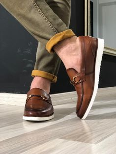 Shoes for Men - Buy Men Dress & Formal Shoes online - Gentwith Navy Blue Shoes, Burgundy Shoes, Beige Shoes, Tan Loafers, Leather Loafer Shoes, Mens Fashion Shoes, Shoes Men, Men's Fashion, Formal Shoes