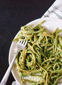 kale pesto (ready in 5 minutes!) - cookieandkate.com