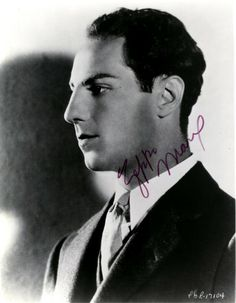MARX ZEPPO: American Actor, the youngest of the Marx Brothers who appeared in their first five feature fi. Old Movie Stars, Classic Movie Stars, Golden Age Of Hollywood, Old Hollywood, Zeppo Marx, Jessica Mendoza, Funniest Pictures Ever, Abbott And Costello, The Three Stooges